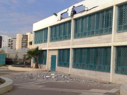 תמנונת הגג ההרוס בבית הספר בבאר שבע (צילום: חדשות 2)