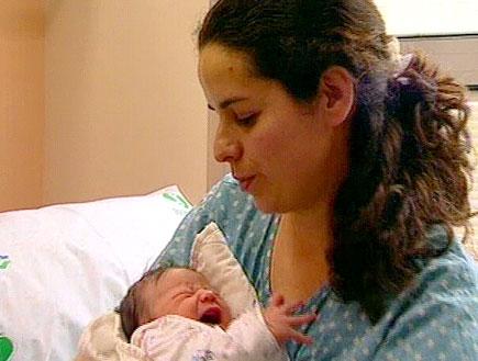 היולדות והתינוקות - לצפון (תמונת AVI: חדשות)