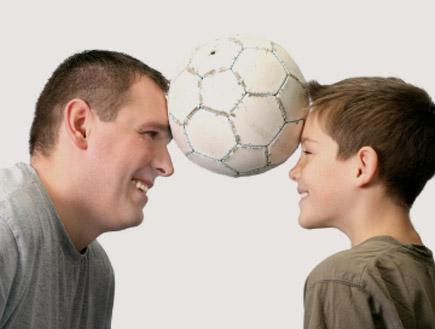 אבא, בן, כדורגל (צילום: humonia, Istock)