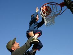אבא, בן, כדורסל (צילום: istockphoto)