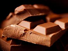 קוביות שוקולד בקלוז אפ (צילום: istockphoto)