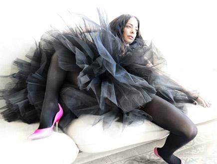 מיכל אמדורסקי שפגט בלבוש רקדנית (צילום: רונן אקרמן)