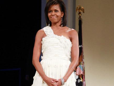 מישל אובמה בשמלה לבנה של ג'ייסון וו (צילום: Mark Wilson, GettyImages IL)