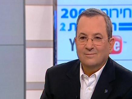 אהוד ברק באולפן חדשות 2 (צילום: חדשות 2)