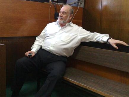 אברהם הירשזון, שר האוצר לשעבר, במהלך משפטו (צילום: גלעד שלמור)