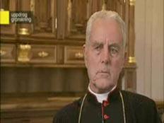 הבישוף מכחיש השואה (צילום: חדשות 2)
