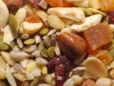 פירות יבשים בתפזורת (צילום: RFStock, Istock)