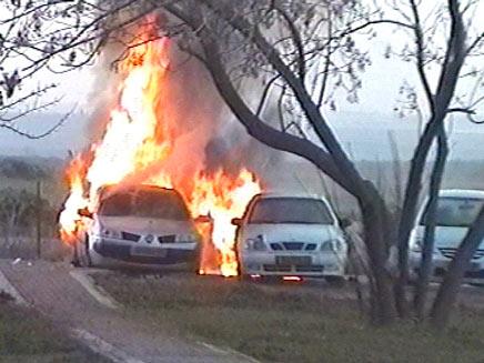 מכונית עולה באש, ארכיון (צילום: חדשות 2)