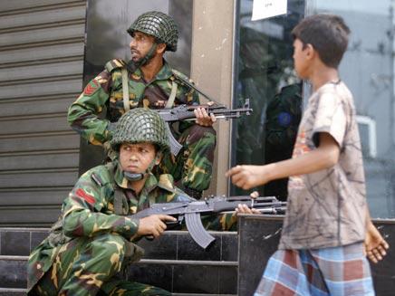 מהומות אלימות בבנגלדש (רויטרס) (צילום: רויטרס)