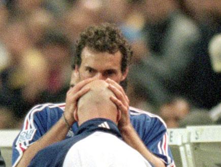 לורן בלאן מנשק את פביאן ברטז (צילום: getty images)