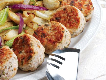 כדורי דגים עם ירקות מוקפצים (צילום: איתמר צוקרמן, בישול ביתי דל כולסטרול)