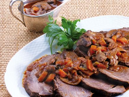 צלי בקר ברוטב ירקות (צילום: איתמר צוקרמן, בישול ביתי דל כולסטרול)