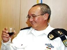 אלוף אלי מרום מפקד חיל הים נתפס במועדון חשפניות