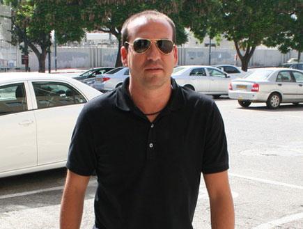אייל ברקוביץ', בצאתו מבית המשפט (צילום: מערכת ONE)