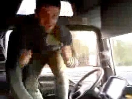 נהג משתולל בנהיגה מבלגיה להולנד (צילום: יוטיוב)