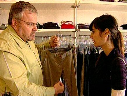 נכנסתן להריון? מנחם בוחר עבורכן בגדים (תמונת AVI: חדשות)