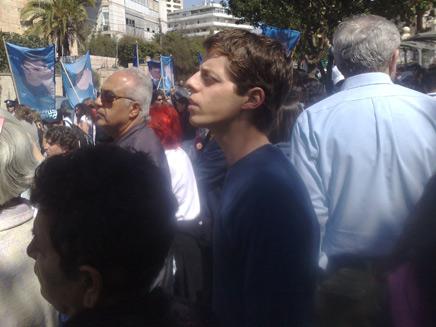יואל שליט בהפגנה (צילום: יוסי זילברמן)
