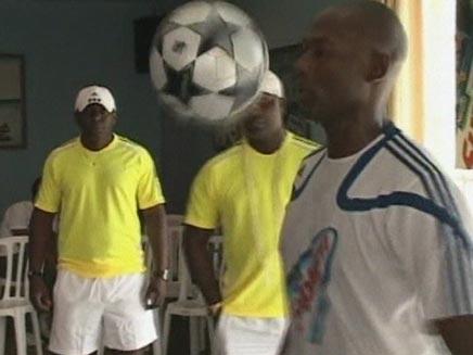 שיאן הקפצת כדורגל (צילום: חדשות 2)