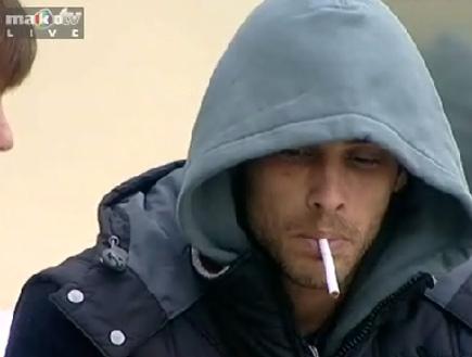 אמיר מעשן במראה גראד מאסטר B (תמונת AVI: mako)