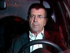 עופר דקל במכוניתו (חדשות 2) (צילום: חדשות 2)