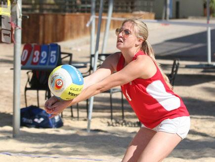 שחקנית כדורעף חופים באילת (צילום: שי לוי, TGspot, מערכת ONE)