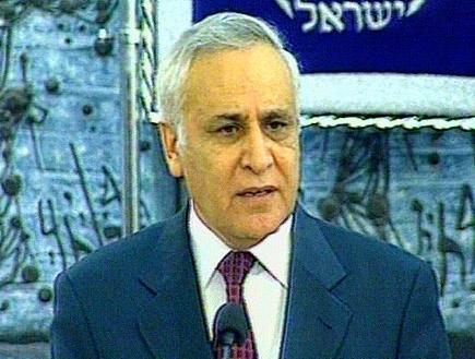 כתב אישום נגד משה קצב (תמונת AVI: חדשות)