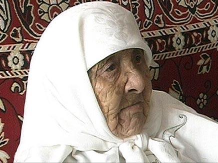 האשה הזקנה בעולם חוגגת יום הולדת (SUN) (צילום: SUN)