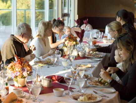 שולחן ארוחת החג (צילום: RonTech2000, Istock)