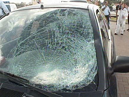 זירת האירוע מתאונת הפגע וברח (צילום: חדשות 2)