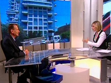 רון חולדאי ודנה וייס (חדשות 2) (צילום: חדשות 2)