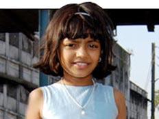 הילדה מהסרט נער החידות ממומבי (news of the world) (צילום: news of the world)