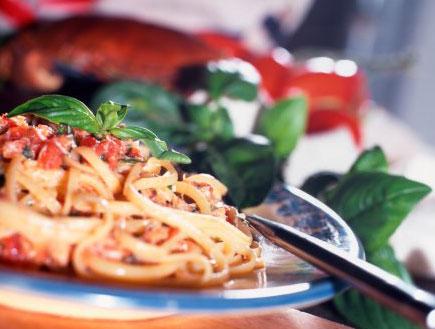 ספגטי עם בוטרגה (צילום: getty images)