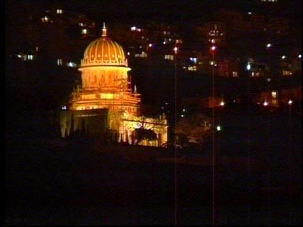 הגנים הבהאיים בחיפה בחושך. ארכיון (צילום: חדשות 2)