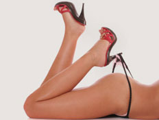 נעל עקב וחוטיני