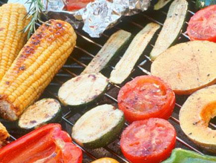ירקות על הגריל (צילום: Images Of Africa, GettyImages IL)