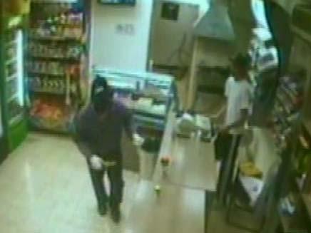שוד בפיצוציה (צילום: חדשות 2)