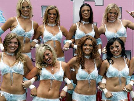 ליגת הפוטבול לנשים בהלבשה תחתונה (צילום: Frazer Harrison, GettyImages IL)