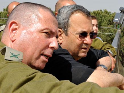 סיור שר הביטחון בגדר הביטחון ( אריאל חרמוני ) (צילום: אריאל חרמוני)