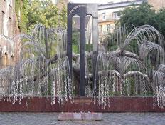 הערבה הבוכיה, בית הכנסת הגדול בבודפשט (צילום: אתר אוגוסטה)
