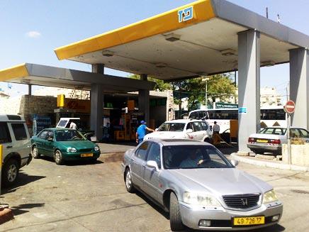 זעם בתחנות הדלק (צילום: יוסי זילברמן)