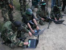 מלחמה ברשת (צילום: Getty Images, GettyImages IL)