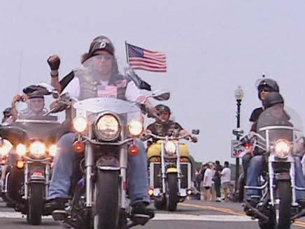 """אופנועני """"הרעם המתגלגל"""" (צילום: CNN)"""