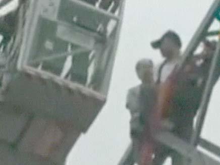 סיני שרצה להתאבד נדחף על ידי חברו (צילום: RTL)