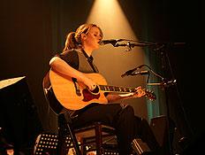 רונה קינן הופעה 3 (צילום: סיון ניסדלסקי)