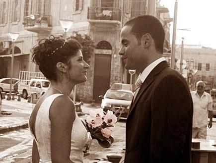 חתן וכלה ברחוב- לוקיישנים לצילום (צילום: אלמנט צילום)