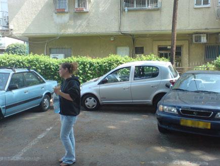 חניה שרק נשים יכולות לעשות 2 (צילום: mako)