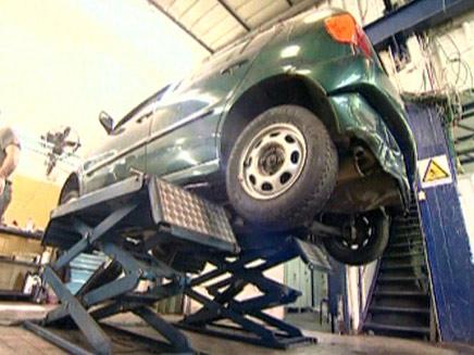 רמאות של חברות הביטוח (צילום: חדשות 2)