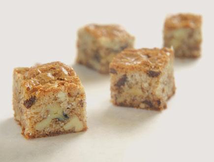 בראוניז אגוזים ושוקולד לבן- מיקי שמו המיטב (צילום: דניאל לילה, מיקי שמו - המיטב, הוצאת על השולחן)
