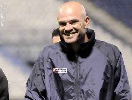 דני ניראון מאמן הפועל פתח תקוה (צילום: אלעד ירקון, מערכת ONE)