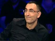ישראל קטורזה במועדון לילה (תמונת AVI: מועדון לילה)